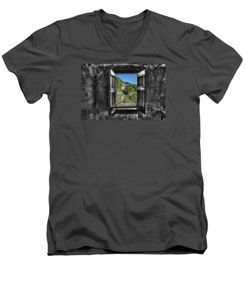 Let's Open The Windows - Apriamo Le Finestre Men's V-Neck T-Shirt