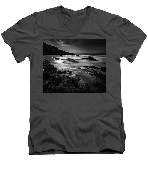 Light Passages Bw Men's V-Neck T-Shirt
