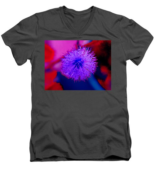 Light Purple Puff Explosion Men's V-Neck T-Shirt