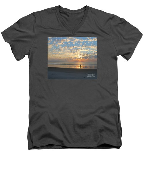 Light Run Men's V-Neck T-Shirt