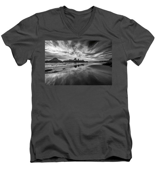 Lines In The Sand At Seal Rock Men's V-Neck T-Shirt