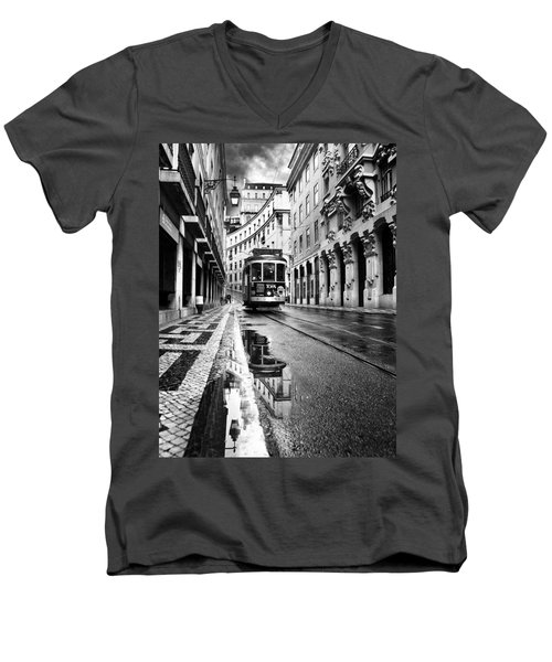 Lisboa Men's V-Neck T-Shirt