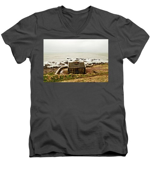 Little House At The Nigg Bay. Men's V-Neck T-Shirt