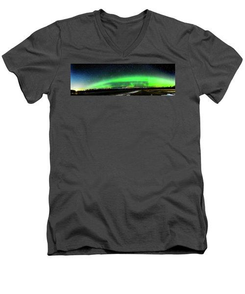 Little House Under The Aurora Men's V-Neck T-Shirt