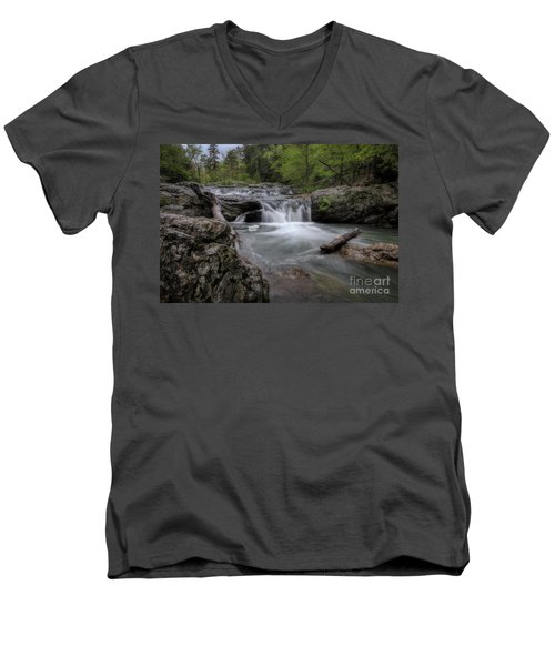 Little Missouri Falls Men's V-Neck T-Shirt