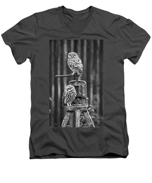 Little Owls Black And White Men's V-Neck T-Shirt
