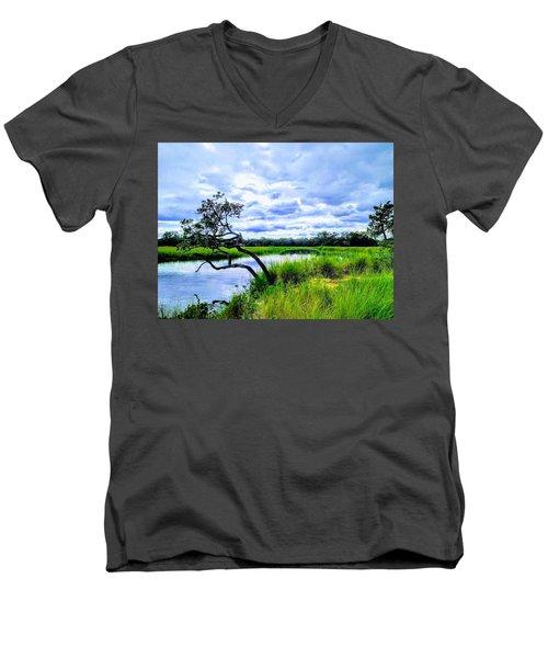Living Low Men's V-Neck T-Shirt