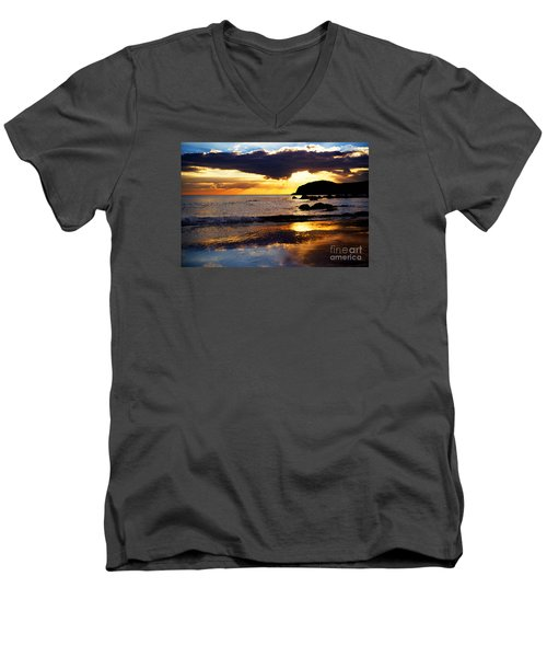 Llangennith Gower Coast Men's V-Neck T-Shirt