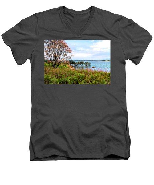 Lobster Traps Men's V-Neck T-Shirt