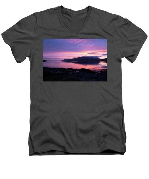 Loch Scridain Sunset Men's V-Neck T-Shirt