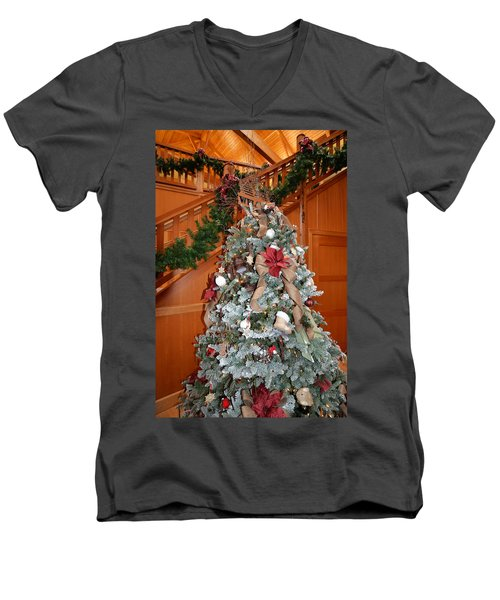 Lodge Lobby Tree Men's V-Neck T-Shirt