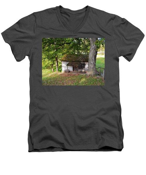 Log Cabin Men's V-Neck T-Shirt