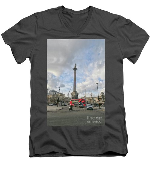 London Bus And Lord Nelson Men's V-Neck T-Shirt