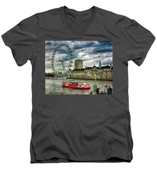 London Eye Men's V-Neck T-Shirt