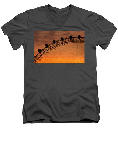 London Eye Sunset Men's V-Neck T-Shirt