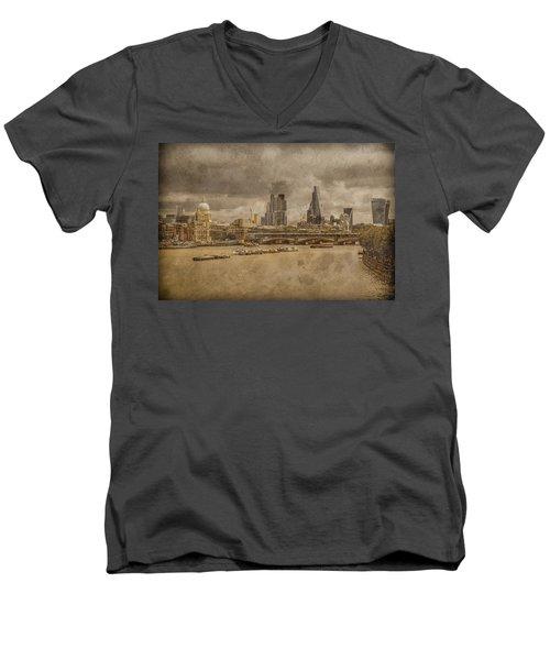 London, England - London Skyline East Men's V-Neck T-Shirt