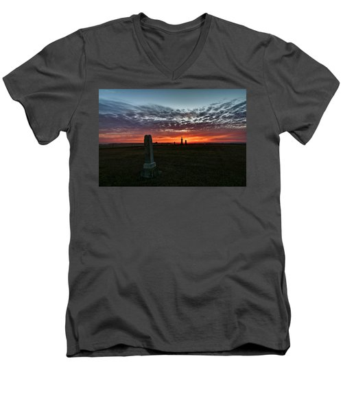 Lonely Sunset Men's V-Neck T-Shirt