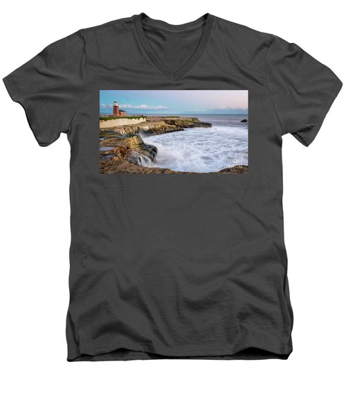 Long Exposure Of Waves Against The Cliff With Lighthouse In Shot Men's V-Neck T-Shirt