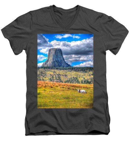Longhorn At Devils Tower Men's V-Neck T-Shirt