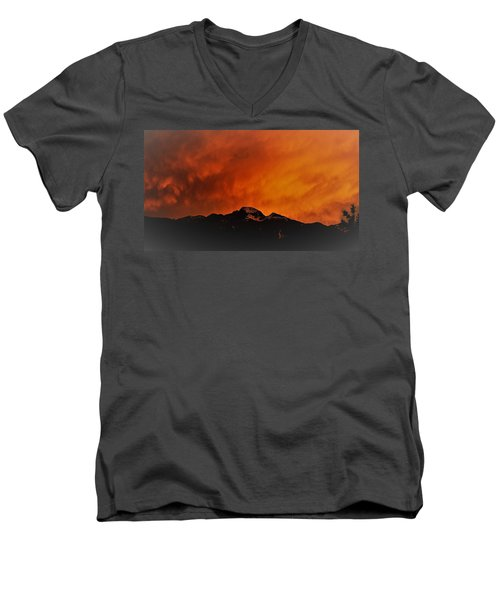 Longs Peak Sunset Men's V-Neck T-Shirt
