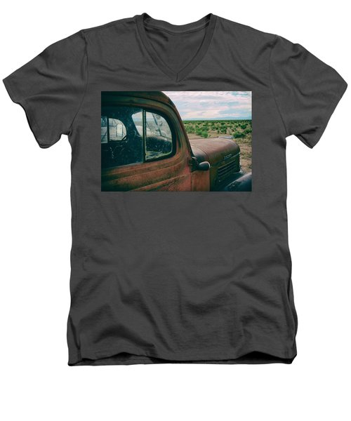 Looking West Men's V-Neck T-Shirt