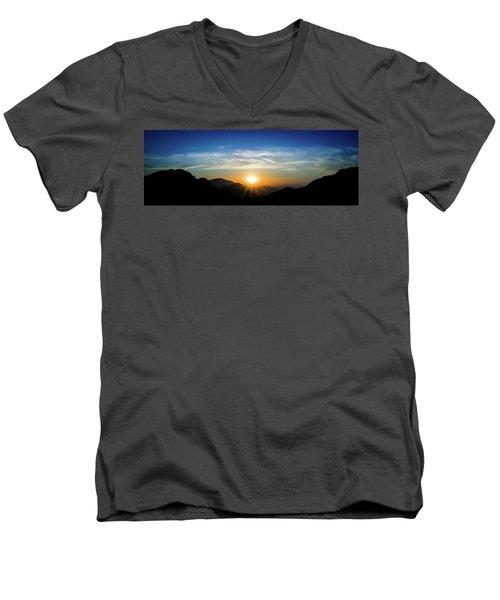 Los Angeles Desert Mountain Sunset Men's V-Neck T-Shirt