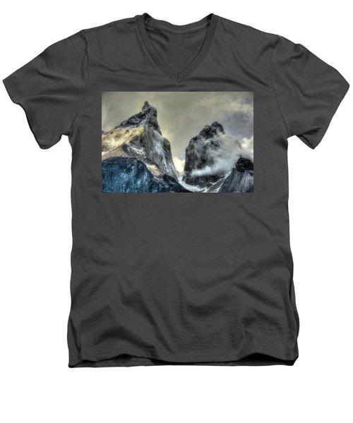 Los Cuernos-the Horns Men's V-Neck T-Shirt