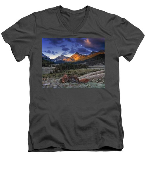 Men's V-Neck T-Shirt featuring the photograph Lost River Mountains Moon by Leland D Howard