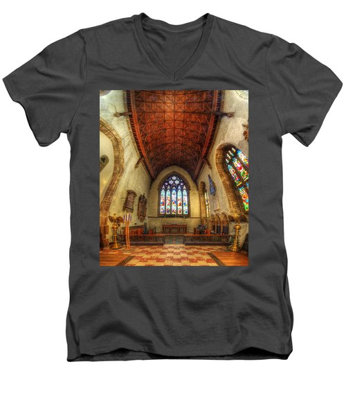 Loughborough Church - Altar Vertorama Men's V-Neck T-Shirt