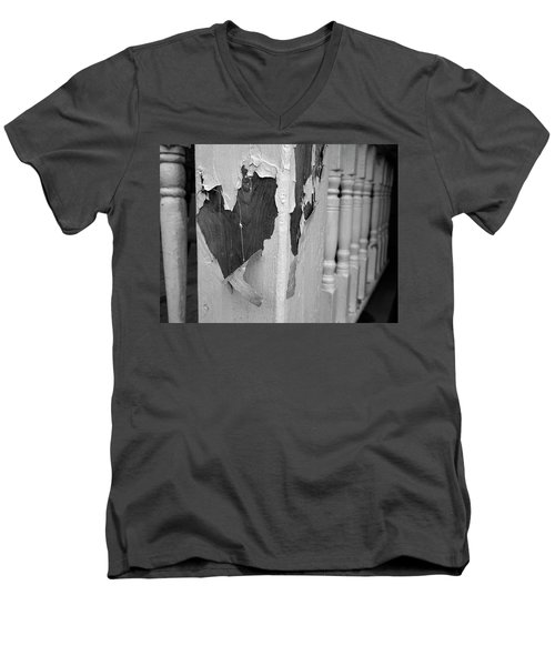Love A Peel Men's V-Neck T-Shirt