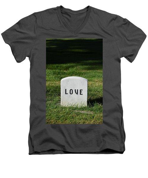 Love Monument Men's V-Neck T-Shirt