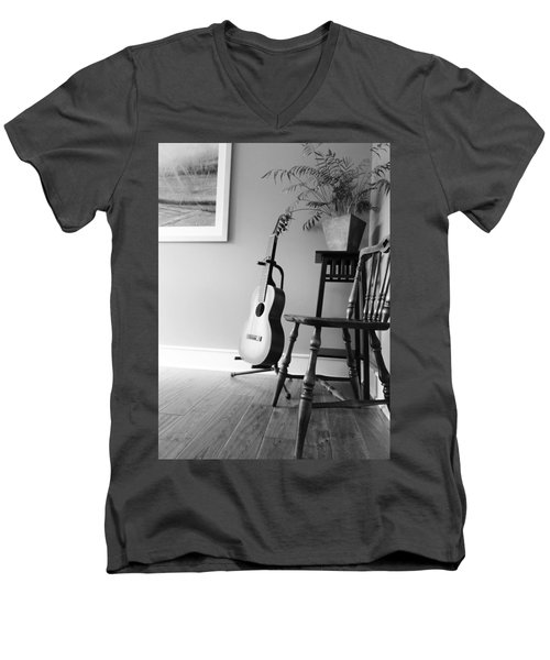 Love Strings Men's V-Neck T-Shirt