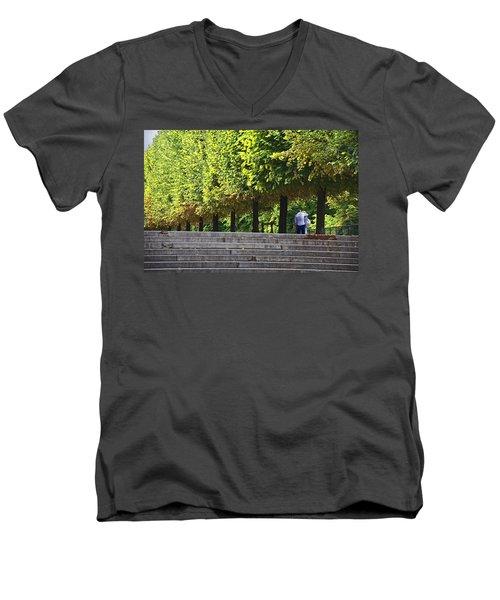 Lovers In The Tuileries Men's V-Neck T-Shirt