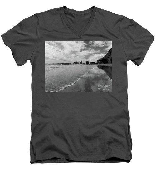 Low Tide - Black And White Men's V-Neck T-Shirt