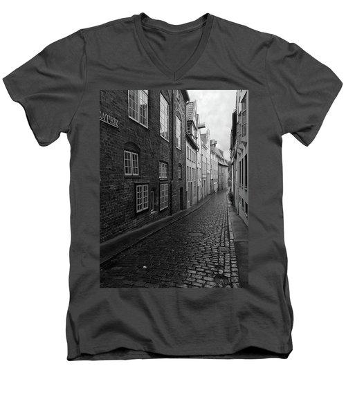 Luebeck Rainy Summer Men's V-Neck T-Shirt