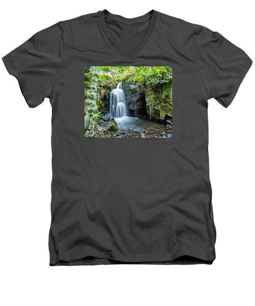 Lumsdale Falls Men's V-Neck T-Shirt