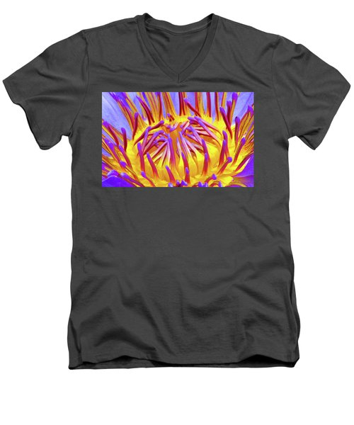 Macro's Lotus Men's V-Neck T-Shirt