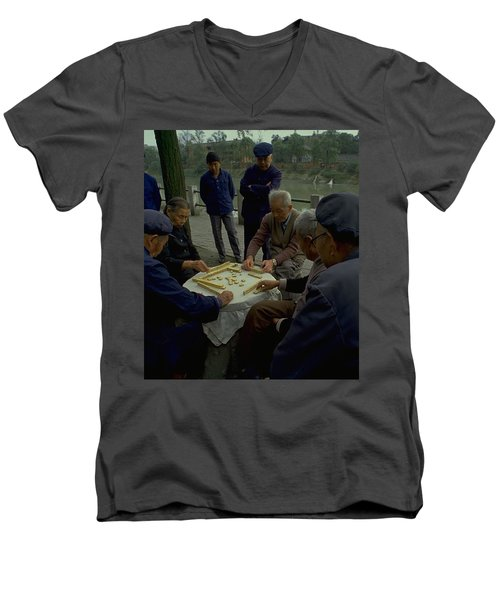 Mahjong In Guangzhou Men's V-Neck T-Shirt