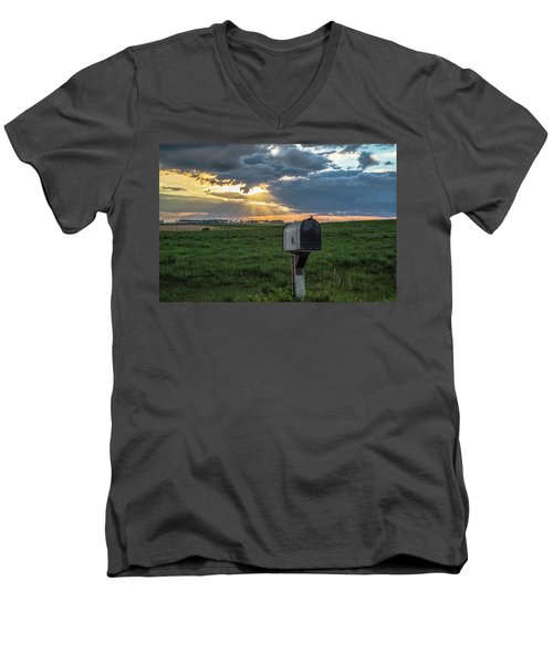 Mail Box In North Dakota  Men's V-Neck T-Shirt