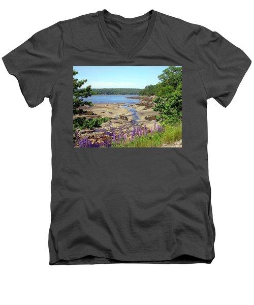 Maine Lupines Men's V-Neck T-Shirt