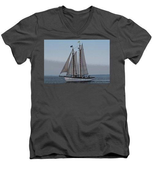 Maine Schooner Men's V-Neck T-Shirt