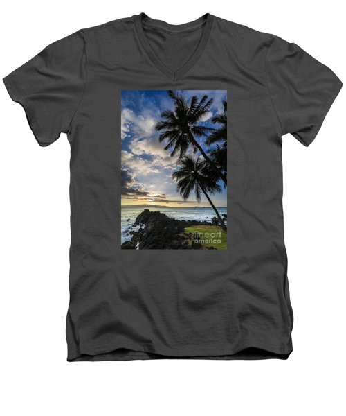 Makena Maui Hawaii Sunset Men's V-Neck T-Shirt