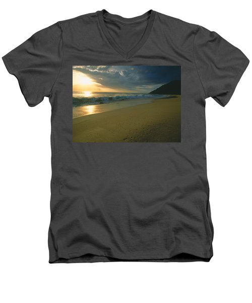 Makua Beach, Oahu, Hawaii Men's V-Neck T-Shirt