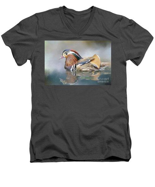 Mandarin Duck Swimming Men's V-Neck T-Shirt
