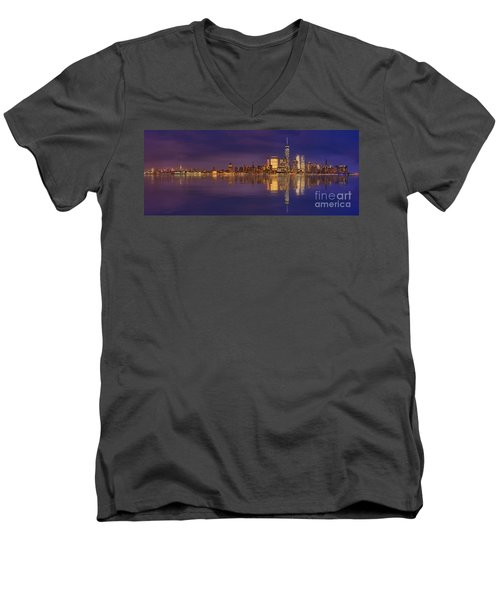 Manhattan, New York At Dusk Panoramic View Men's V-Neck T-Shirt