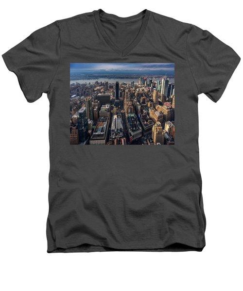Manhattan, Ny Men's V-Neck T-Shirt