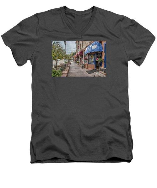 Manitou Men's V-Neck T-Shirt
