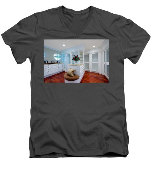 Master Closet Men's V-Neck T-Shirt