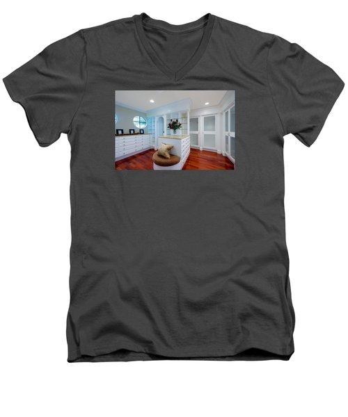 Master Closet Men's V-Neck T-Shirt