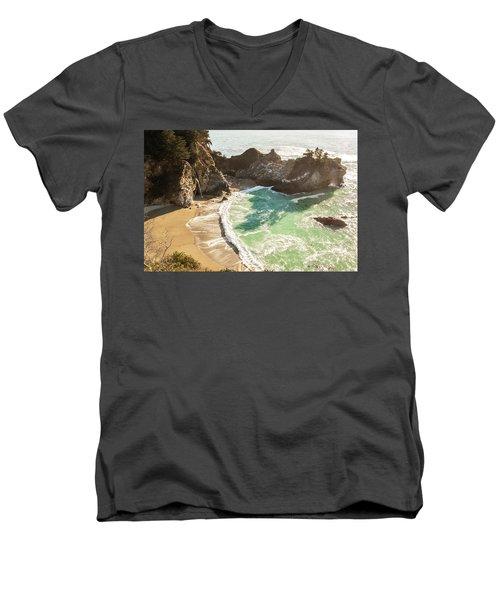 Mcway Falls, California Men's V-Neck T-Shirt